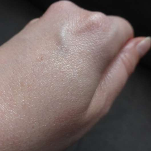 Swatch des CMD Pflegebutter Hand Ei Sandorini