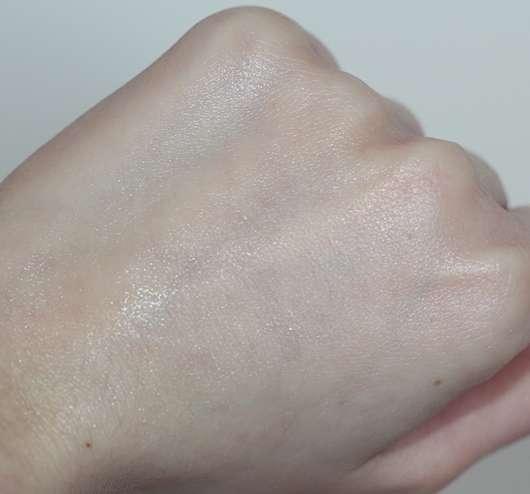 essence tropical hand mousse - Konsistenz nach dem Verreiben