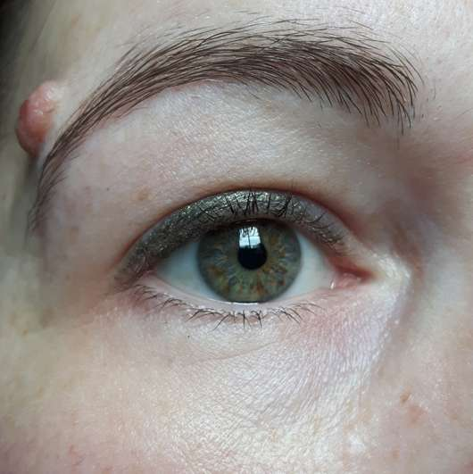 Tragebild - L.O.V BestDressed 12H Long-Wear Eye Pencil, Farbe: 260 Emerald Couture