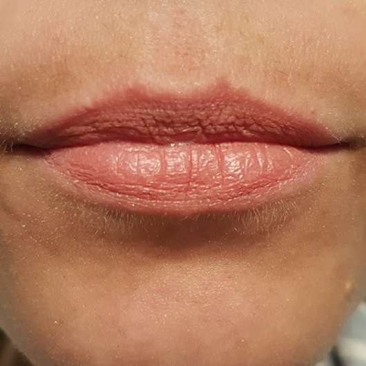 L'Oréal Paris Infaillible Matt Lippen-Puder-Stift, Farbe: 001 Silencio - nach 3h auf den Lippen