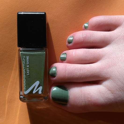 Manhattan Last & Shine Nail Polish, Farbe: 845 Urban Chameleon - auf den Fussnägeln aufgetragen