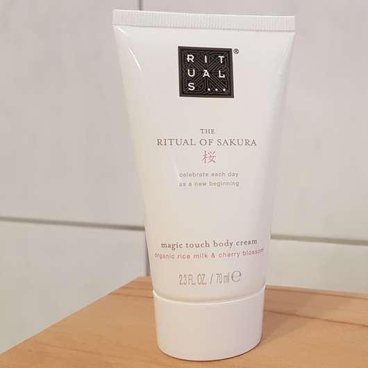 <strong>RITUALS</strong> The Ritual Of Sakura magic touch body cream