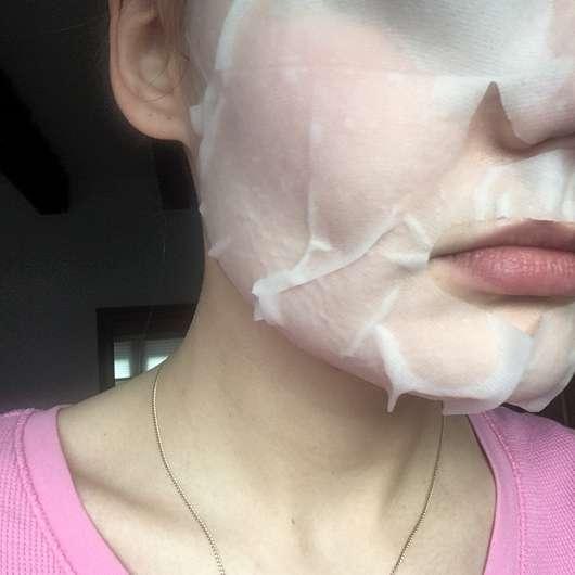 The Beauty Mask Company Detox Tuchmaske - auf dem Gesicht aufgetragen