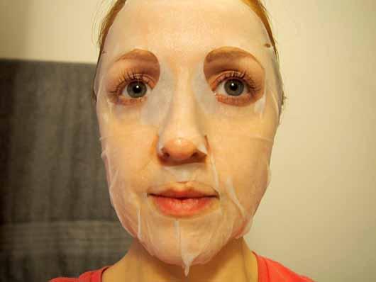 The Beauty Mask Company Strahlkraft Tuchmaske - Tuchmaske auf dem Gesicht