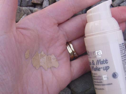 Swatch - Alterra Nude & Matt Make-up, Farbe: 02 Sand