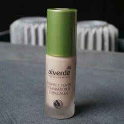 Produktbild zu alverde Naturkosmetik Perfect Cover Foundation & Concealer – Farbe: 10 Vanilla
