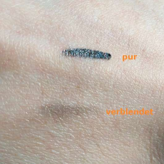 Swatches des ARTDECO x Claudia Schiffer Make Up Smokey Eye Styler, Farbe: 15 Glint
