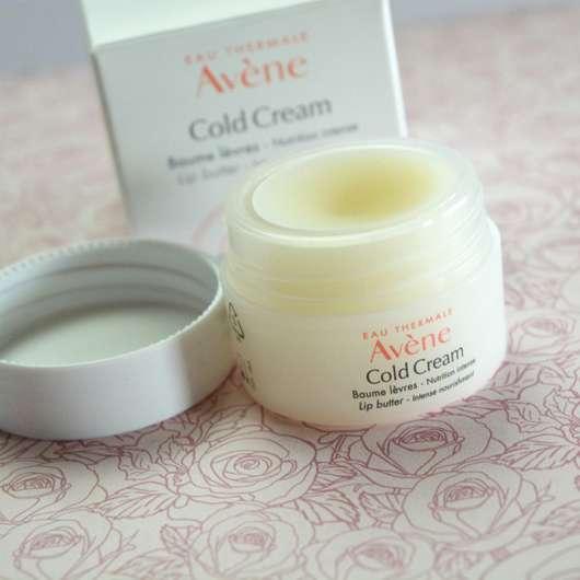 geöffneter Tiegel des Avène Cold Cream Lippenbalsam