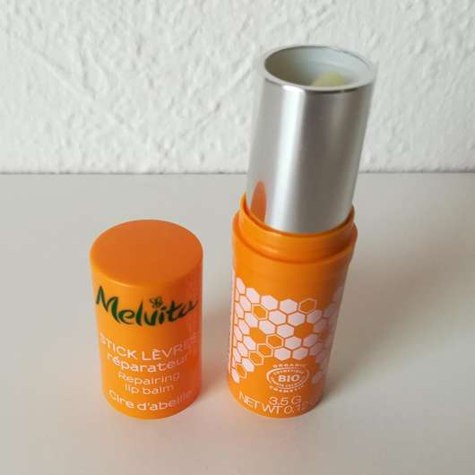 geöffneter Melvita Apicosma Schützender Lippenpflegestift