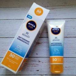 Produktbild zu NIVEA SUN UV Gesicht Mattierender Sonnenschutz LSF 50