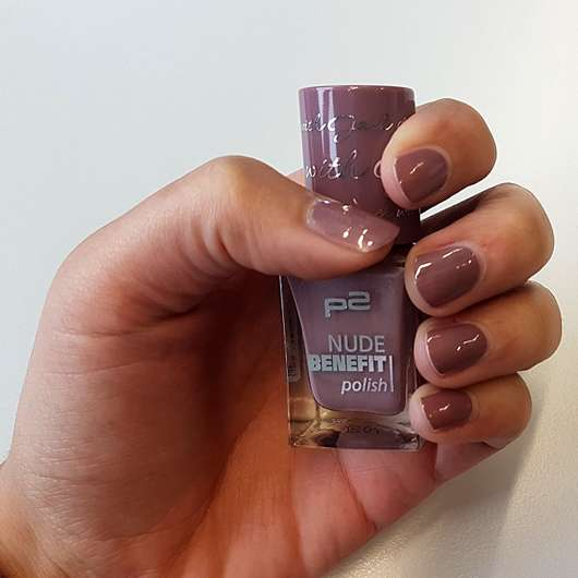 p2 nude benefit polish, Farbe: dinner with Jack - Farbe auf den Nägeln