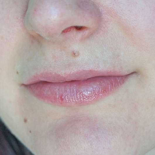 "Lippen mit alverde Shiny Lip Oil ""Raspberry"""
