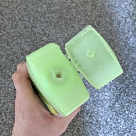 Dosieröffnung der alverde Pflegedusche Bio-Minze Bio-Bergamotte