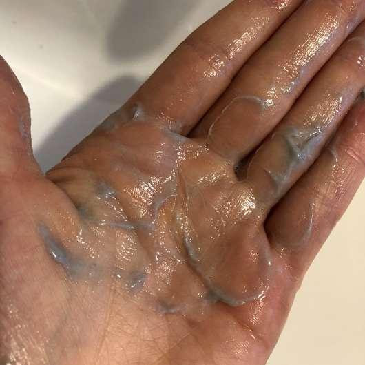 Balea Dusch-Bodylotion mit Aktivkohle - Duschcreme verrieben