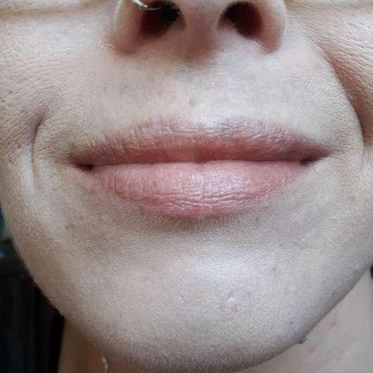 mit Lippenpflege