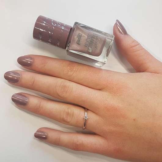 Fingernägel mit p2 nude benefit polish, Farbe: 060 dinner with Jack