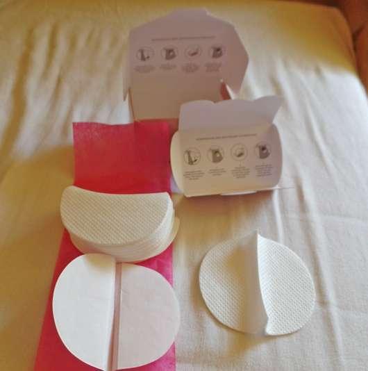 geöffnete Verpackung der SOFTWINGS 3D-Bogenform Achselpads
