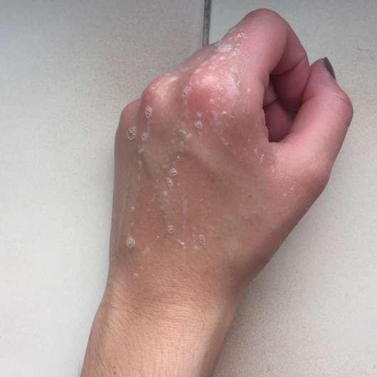 leicht aufgeschäumte Konsistenz - Balea Professional Wonderful Repair Shampoo