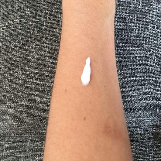 Konsistenz - Dove Pflegeversprechen Summer Breeze Sommerpflege Body Lotion (LE)