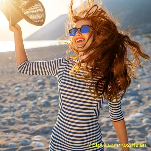 So sieht die perfekte Haarpflege für den Sommer aus