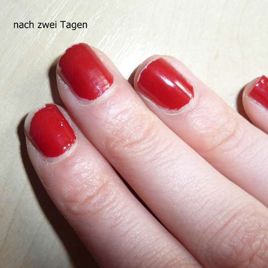 lackierte Nägel mit des Rival de Loop Professional Nails Nagellack, Farbe: 04 - nach 2 Tagen