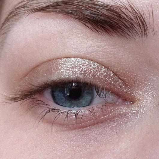 Bell HYPOAllergenic Waterproof Mousse Eyeshadow, Farbe: 01 shimmering copper - auf dem Auge
