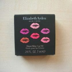 Produktbild zu Elizabeth Arden Sheer Kiss Lip Oil – Farbe: 05 Purple Serenity