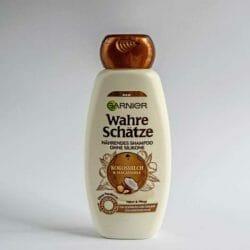 Produktbild zu Garnier Wahre Schätze Nährendes Shampoo Kokosmilch & Macadamia