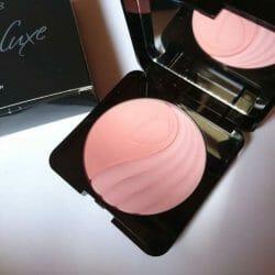 Produktbild zu LR Deluxe Perfect Powder Blush – Farbe: 01 Ruddy Rose