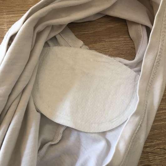 MYDRY Achselpads, Farbe: Weiß - im T-Shirt eingeklebt