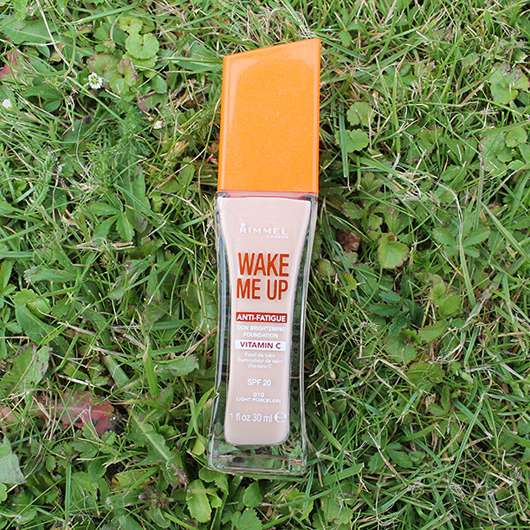 <strong>Rimmel London</strong> Wake Me Up Foundation - Farbe: 010 Light Porcelain