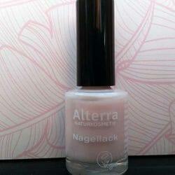 Produktbild zu Alterra Naturkosmetik Nagellack – Farbe: 010 Rose Blossom