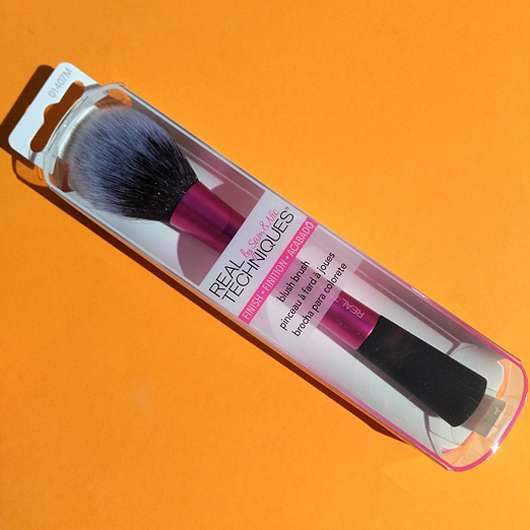 <strong>Real Techniques</strong> Blush Brush