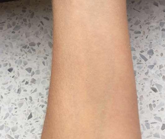Balea Bodyspray Golden Shine (LE) - Swatch verrieben