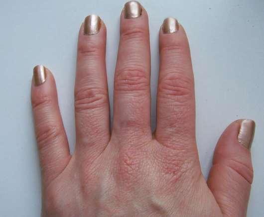 Nägel mit BeYu Long-Lasting Nail Lacquer, Farbe: 432 My Shell-Phone (LE)