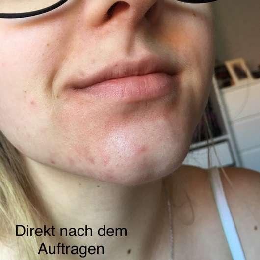 Gesicht direkt nach dem Auftrag des BIO:VÉGANE Bio Grüntee Glow Fluids