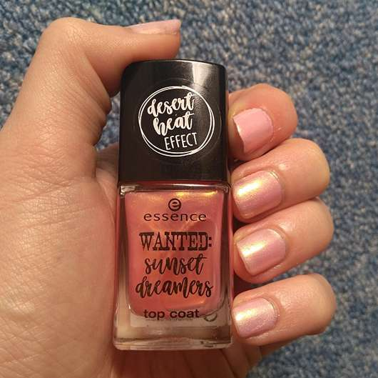 essence wanted: sunset dreamers top coat, Farbe: 02 desert heat (LE) - Farbe auf den Nägeln