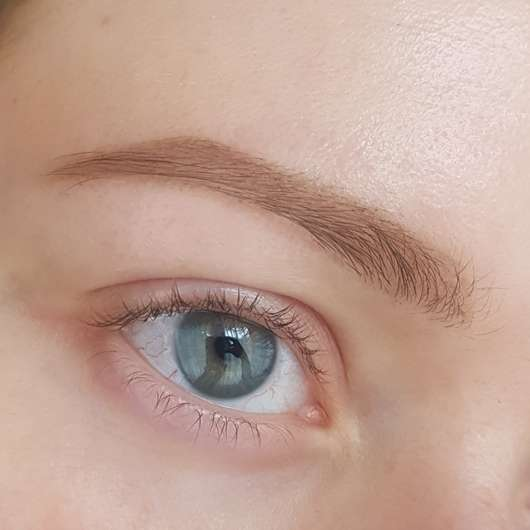 Augenbrauen mit IT Cosmetics Brow Power Universal Brow Pencil, Farbe: Universal Taupe