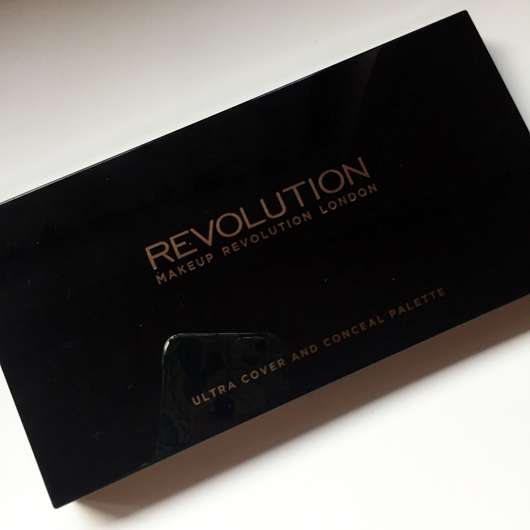 Makeup Revolution Ultra Professional Cover & Conceal Palette, Farbe: Light - Verpackung