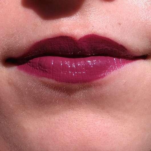 Lippen mit NYX Slip Tease Full Color Lip Lacquer, Farbe: 01 Karma Suit Ya