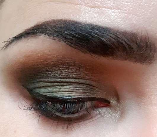 BeYu Easy Wing Stamp Eyeliner (LE) - auf dem Auge aufgetragen