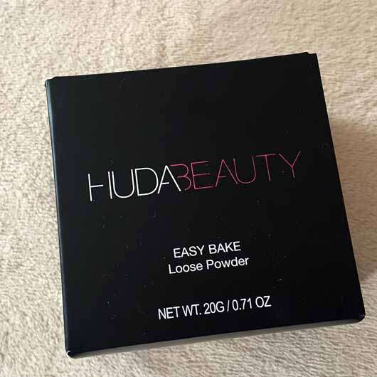 <strong>HUDA BEAUTY</strong> Easy Bake Loose Powder - Farbe: Pound Cake