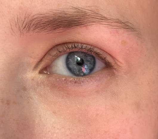 Augenpartie mit MANHATTAN Wake Up Concealer, Farbe: 001 Naturelle
