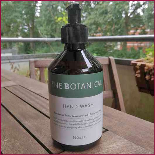 <strong>The Botanical</strong> Hand Wash