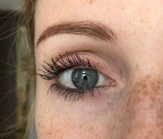 Augenbraue mit BeYu Eyebrow Filling Pen, Farbe: 3 Light Brown