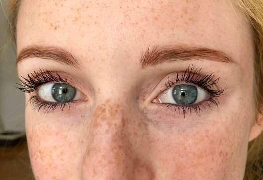 Augenbrauen mit BeYu Eyebrow Filling Pen, Farbe: 3 Light Brown