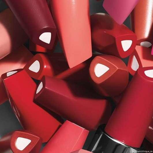 Clinique: Dramatically Different Lipsticks