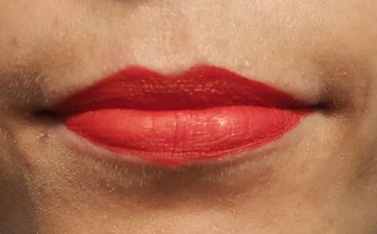 Lippen mit Make up Factory Mat Lip Fluid Longlasting, Farbe: 38 Classic Red