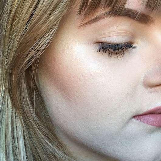 Haut mit Sleek MakeUP Highlighting Elixir Illuminating Drops, Farbe: Poppin' Bottles