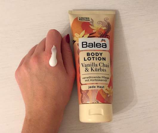 Balea Bodylotion Vanilla Chai & Kürbis (LE) - Konsistenz